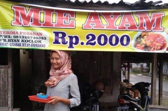 Sempat Dicibir Netizen, Kini Mie Ayam Seharga 2000 Di Sragen Itu Laris Manis