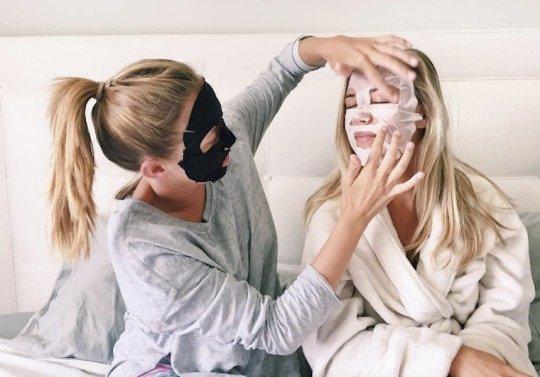 Sheet Mask Dapat Mencemarkan Lingkungan? Kok Bisa? Simak Penjelasan Berikut Ini!