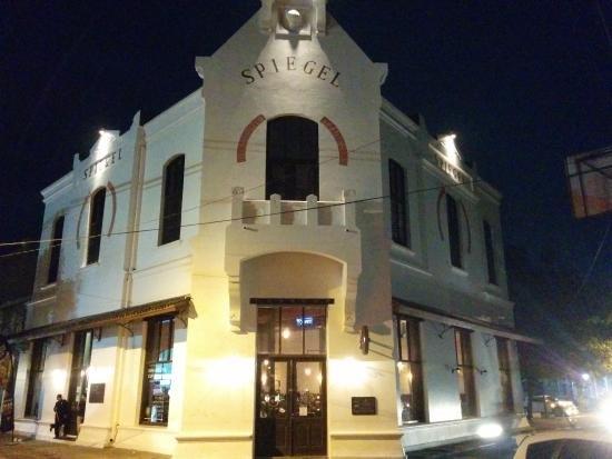 Spiegel Bar & Bistro ; Mengajakmu Berkelana ke Benua Biru