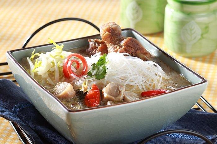 Supaya Tidak Bosan, Coba Kreasikan Dengan Resep Bihun Tom Yam Kai. Berikut Resepnya!