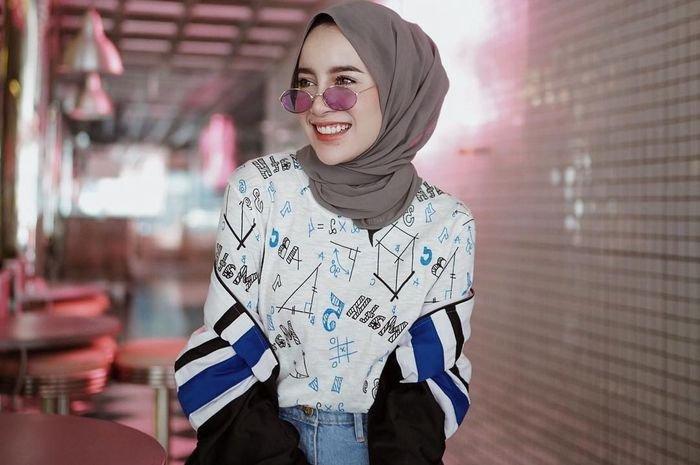 Super Gorgeous, Intip Penampilan Aghnia Punjabi Dengan Gaya Hijabnya