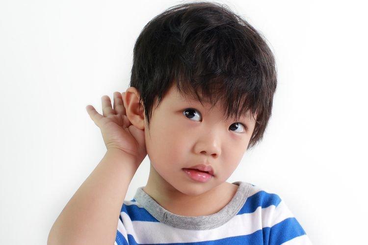 Telinga Si Kecil Berdenging? Hati-Hati Balita Mengalami Tinnitus