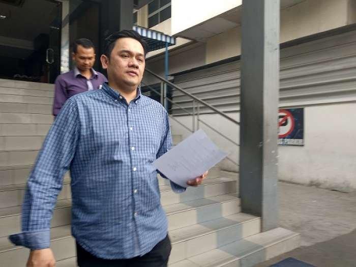 Ternyata Ibu dari Vicky Prasetyo di Laporkan Farhat Abbas atas Kasus ini