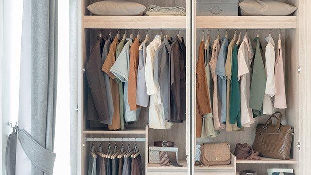 Tips Atasi Lembab dan Bau Apek di Lemari Pakaian