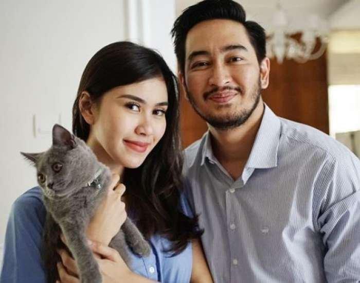 Unggah Foto Sedang Melakukan Premarital Check UP Di Rumah Sakit, Syahnaz dan Jeje Siap Menikah?