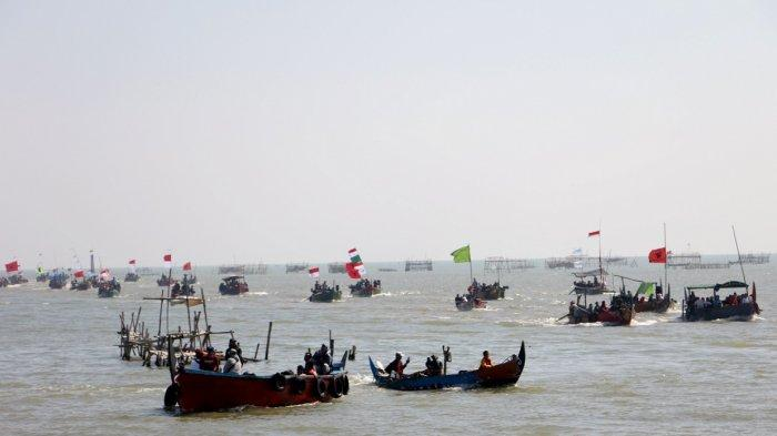 Ratusan Warga Mengikuti Ritual Sedekah Laut dan Bumi di Kampung Tambaklorok Semarang