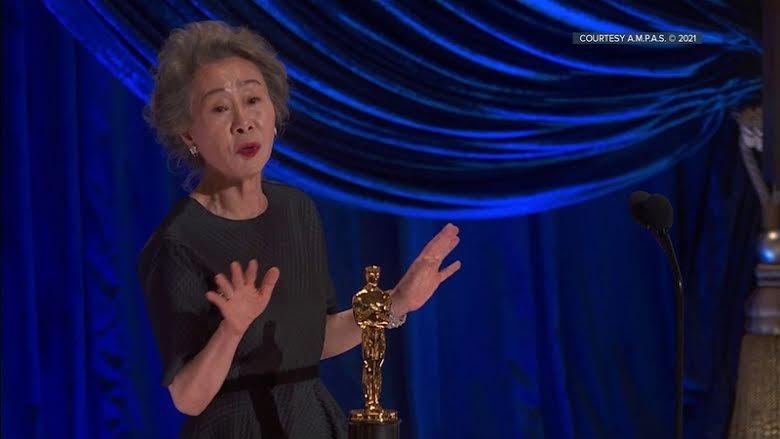 Youn Yuh Jung Dari Minari Menjadi Aktris Korea Pertama Yang Memenangkan Penghargaan  Di Oscar